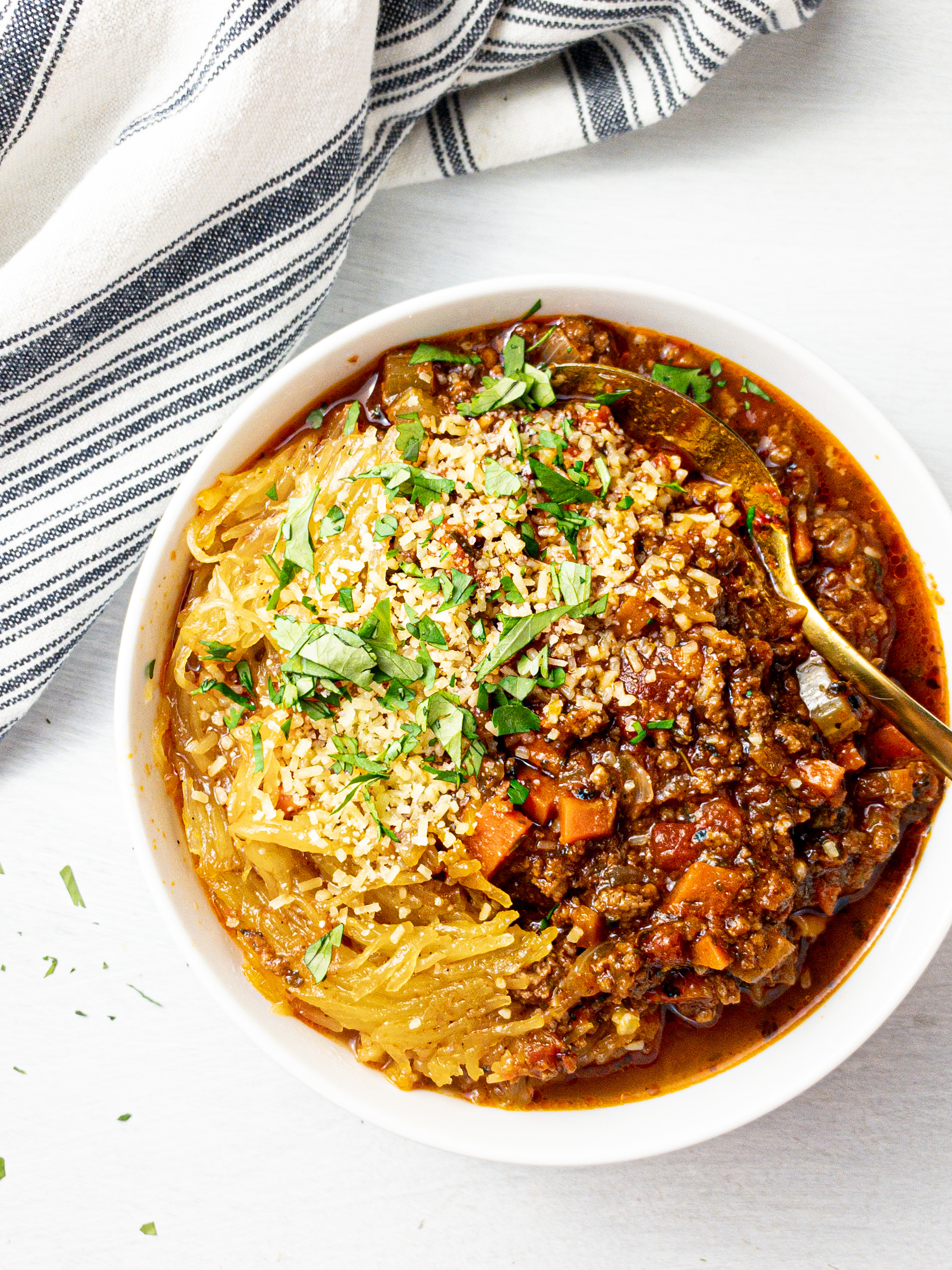 slow cooker spaghetti squash bolognese for clean eating